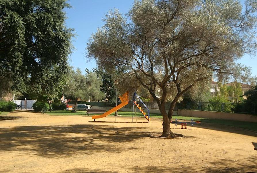 HSM_Elviria_Garden.jpg
