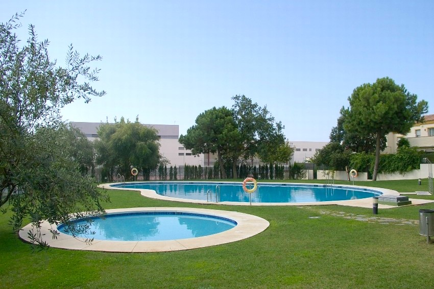 HSM_Elviria_Pool2.jpg