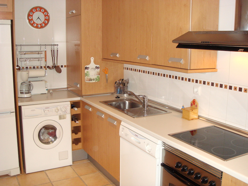 HSM_Marbella-Kitchen2.jpg